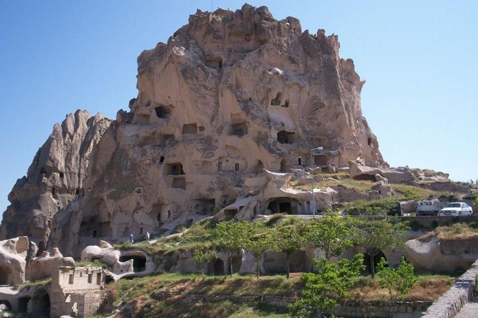 1024px Uchisar Castle, Nevsehir